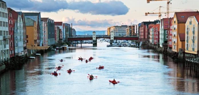 3G Trondheim fra en kajak - Ruby Rejser