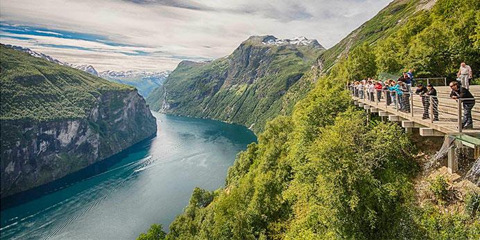 2J Hjørundfjorden, Geiranger og Ålesund