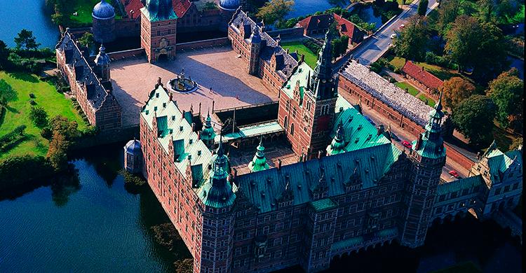 Frederiksborg slot oppefra