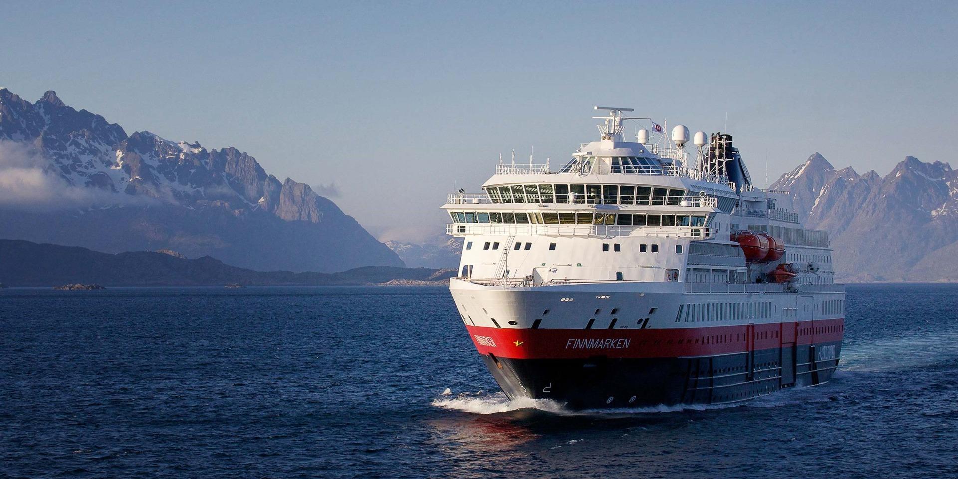 Skibet M/S Finnmarken - Hurtigruten - Ruby Rejser