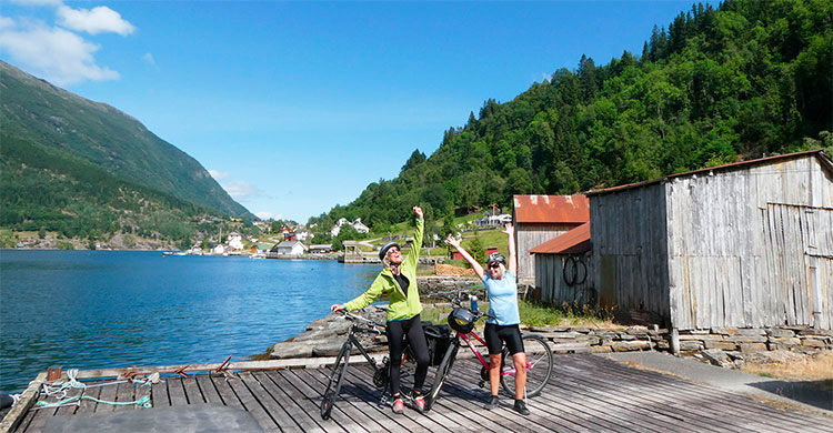 Glade cyklister i Norge
