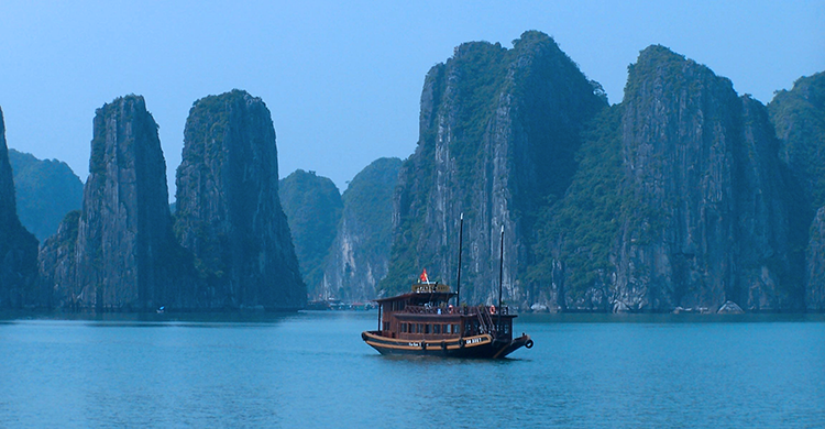 Skib på Ha Long-Bugten