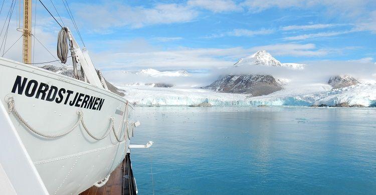 Nordstjernen til Svalbard med Hurtigruten - Ruby Rejser