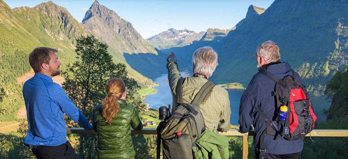 Vandretur ved Hjørundfjorden - Hurtigruten - Ruby Rejser