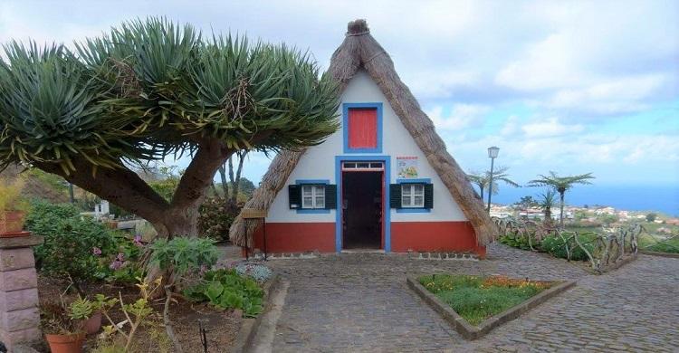 Trekantet hus på Madeira