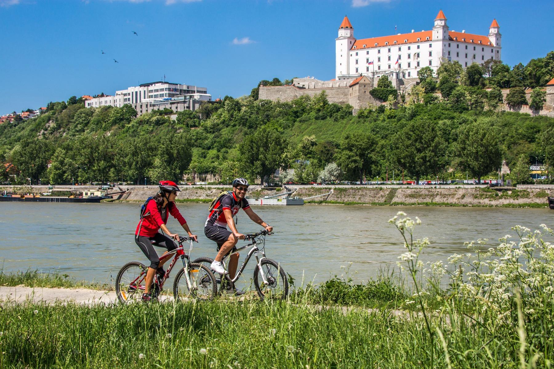 Cykelkrydstogt, Bratislava, flod