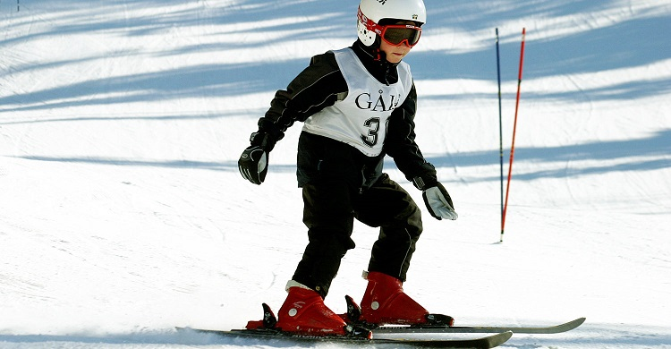 Barn på skiskole i Gålå