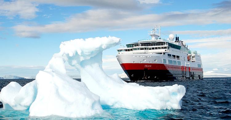 Skibet MS Fram på Grønland med Hurtigruten - Ruby Rejser